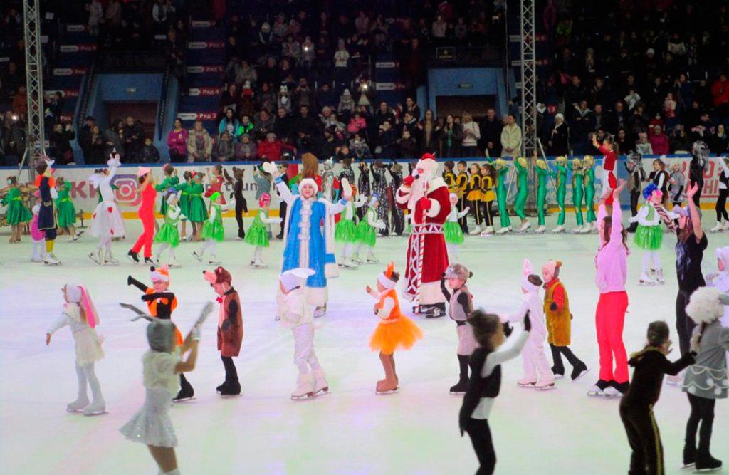 Новогодние сказки на льду